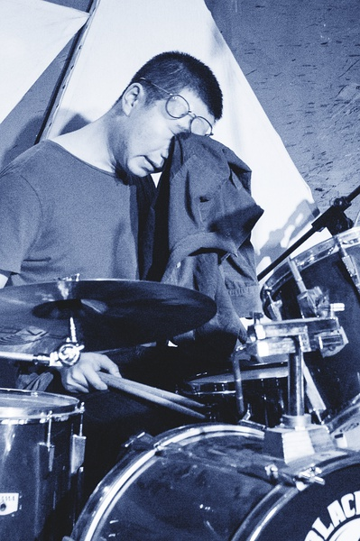 Li Baoning on the drums at XP. Image from XP's Douban.